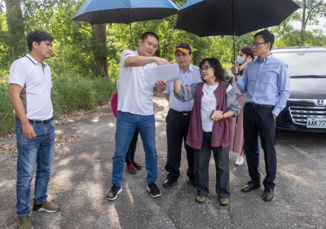 監察委員王幼玲、李月德巡察知本濕地光電開發案現址