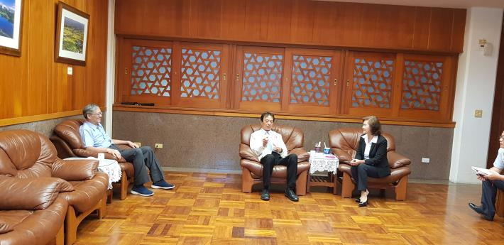 監察委員蔡培村、劉德勳,與宜蘭縣縣長林姿妙對宜蘭交通建設規劃進行交流