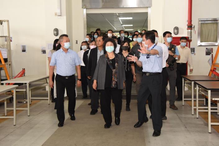 109年9月24日國防及情報委員會巡察漢翔公司廠區