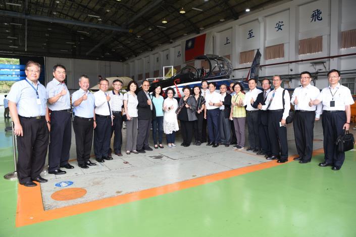 109年9月24日國防及情報委員會巡察漢翔高教機組裝廠