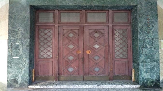 文藝的大門木雕窗櫺及門板