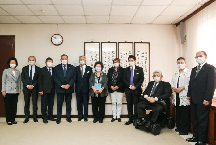 法國參議院友臺小組李察主席訪團拜會監察院。
