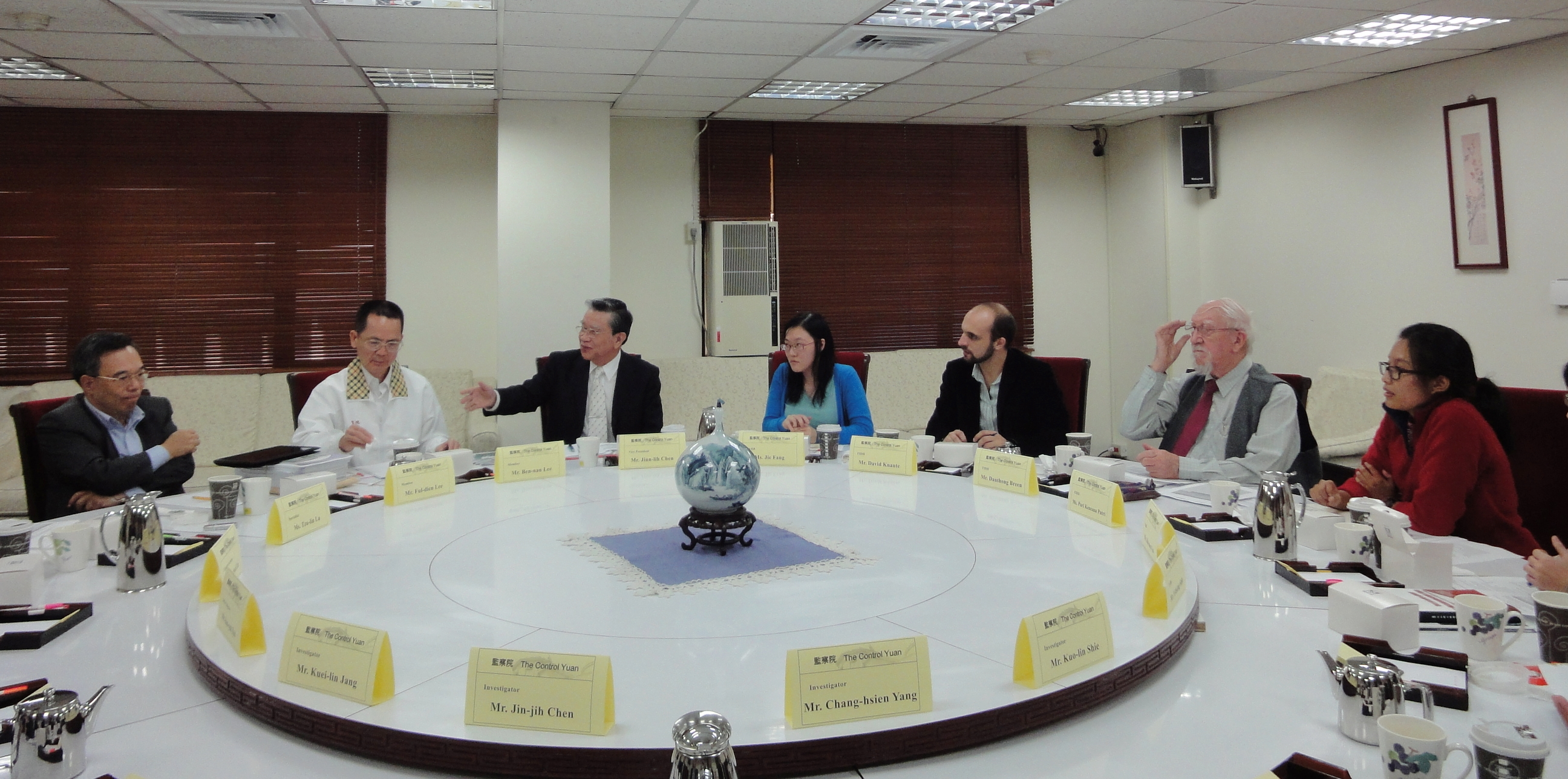 An open discussion with representatives from the International Federation for Human Rights (FIDH)